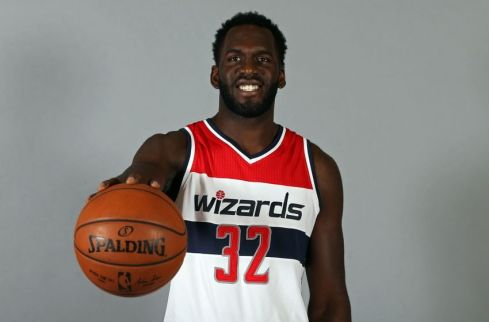 9567505-daniel-ochefu-nba-washington-wizards-media-day-850x560